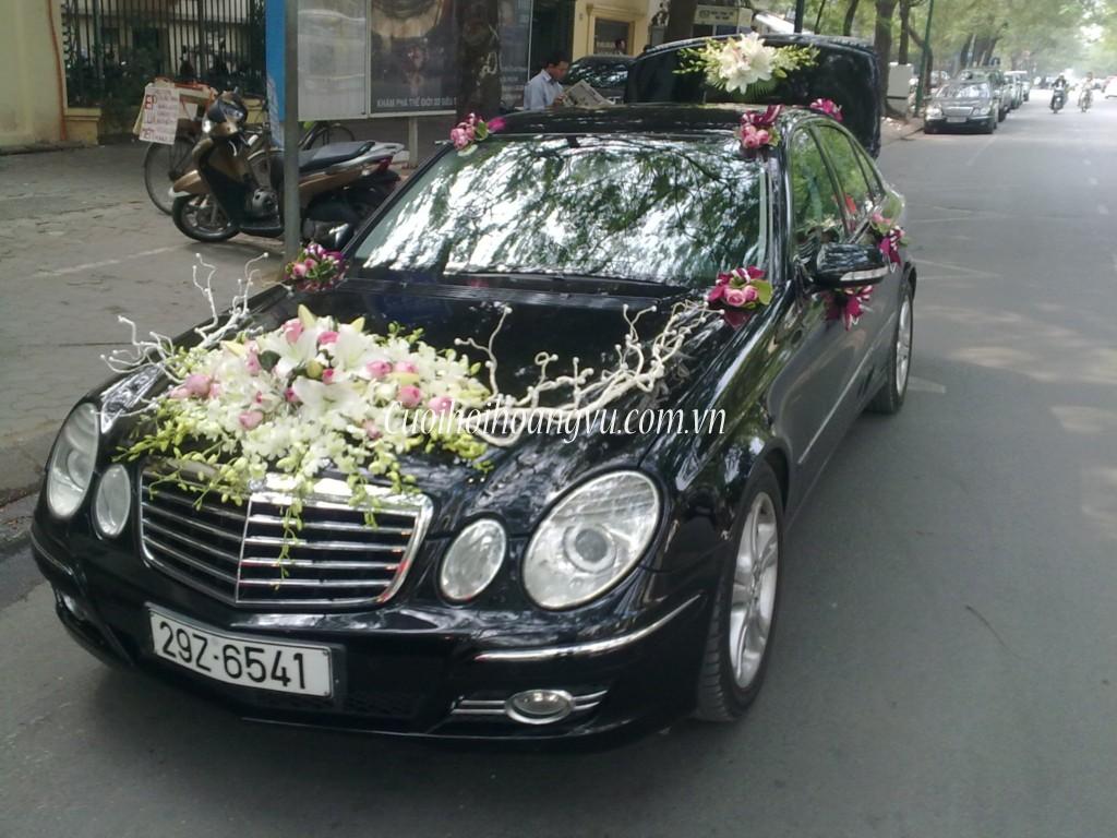 Xe hoa Mercedes E280