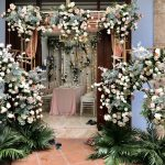 Cổng hoa lụa tiểu cảnh