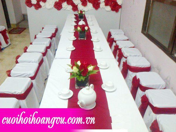 bàn ghế nhựa nơ váy, cho thuê bàn ghế, bàn ghế đám cưới