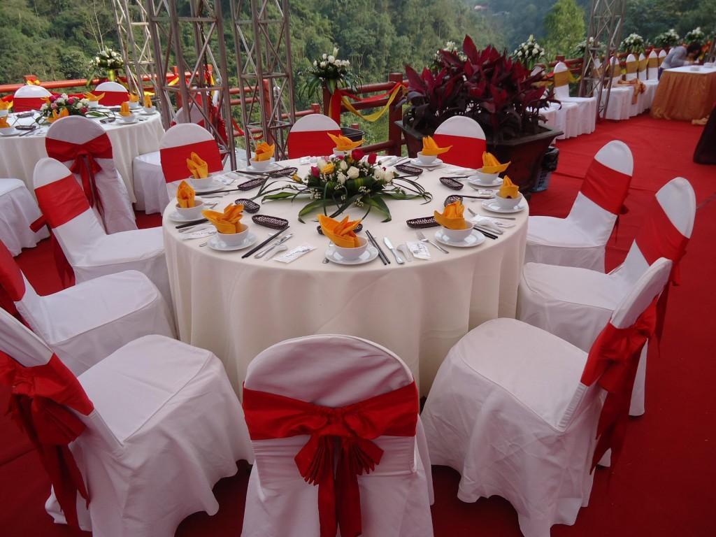 cho thuê bàn ghế, bàn ghế đám cưới, bàn ghế hội nghị, bàn tròn ghế banquet