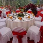 Bàn tròn ghế banquet đám cưới