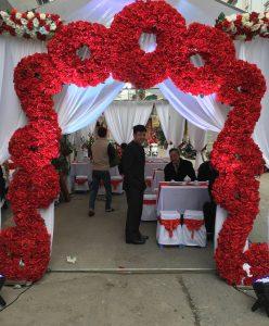 Cổng hoa giả, cổng hoa giả đám cưới, cổng cưới, cổng hoa giả đẹp, cổng hoa lụa đẹp liên hệ 0986036446