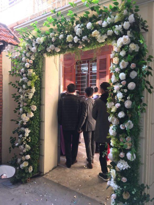 Cổng hoa lụa cưới