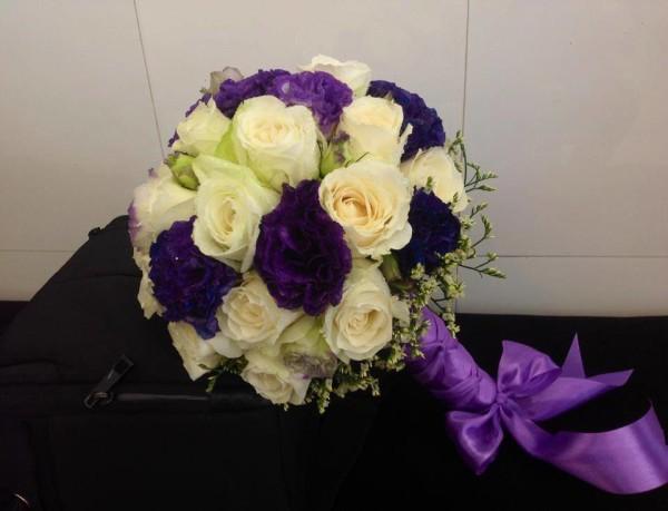 Hoa cầm tay cô dâu 24