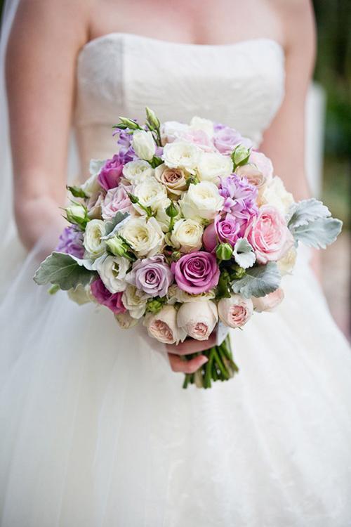 Hoa cầm tay cô dâu 25