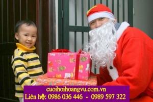 Tặng quà Noel